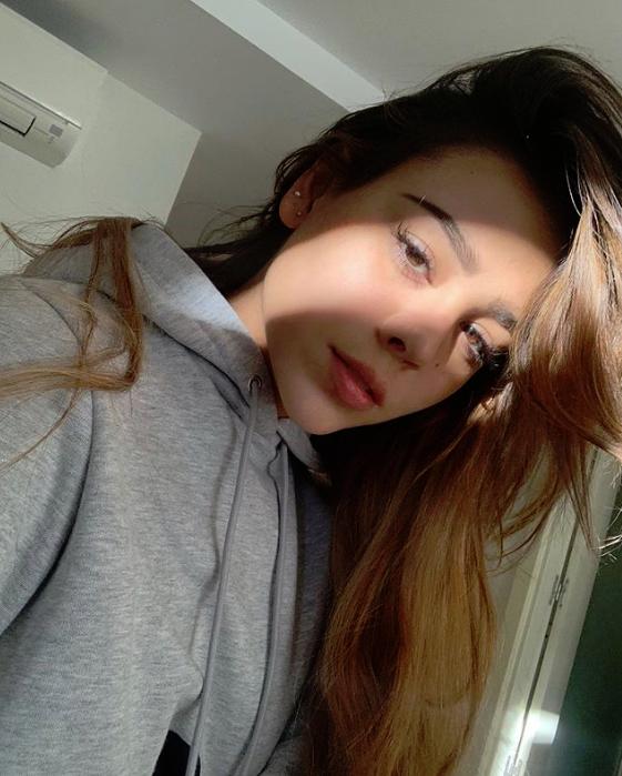 Danna Paola sin maquillaje