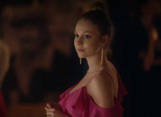 Ester Expósito se desnuda